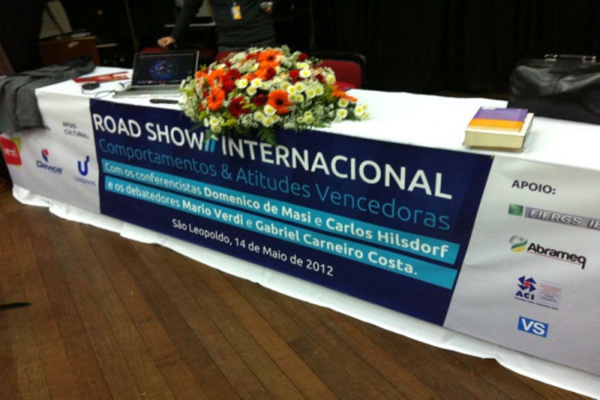 Roadshow Internacional com Domênico de Masi